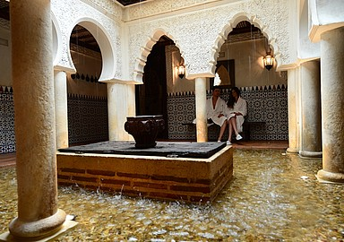 Foot bath in the courtyard of Villa de Olmedo Spa and Wellness Hotel in Spain