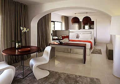 Luxury Suite at Wellness Resort Vilalara Longevity in Portugal