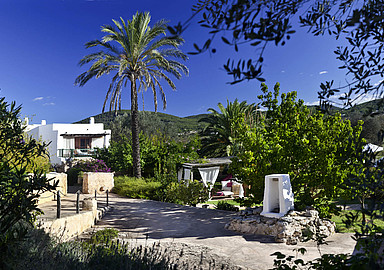 Es Cucons Hotel Rural invites for a relaxing wellness break in Ibiza, offered by SIS Spa In Spain