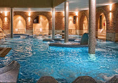 Thermal pool of the spa & wellness hotel Villa de Olmedo, offered by SIS Spa In Spain