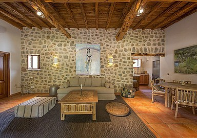 Luxury and comfortable accommodation at Yoga Rosa Retreats, Ibiza