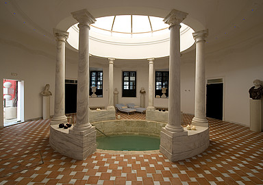 Thermal water pool for a detox cure at Villa Padierna Termas Hotel offered by Spa In Spain