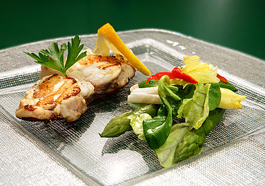 Healthy detox and weight loss cuisine in GEM Wellness & Spa in Spain