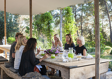 Healthy eating at luxury Yoga Rosa Retreats, Ibiza