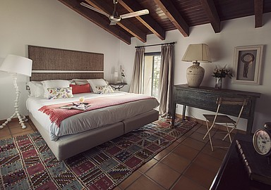 One of MasQi Yoga & meditation Retreat´s cozy and comfortable guest rooms