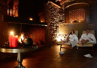 Relaxation room in the courtyard of Villa de Olmedo Spa and Wellness Hotel that offers spa programs through Spa In Spain