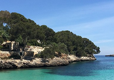 Group Yoga retreat at Beach Front Yoga in Mallorca