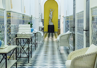 Thermal Circuit for relaxing and detox treatments at Villa Padierna Termas Hotel offered by Spa In Spain